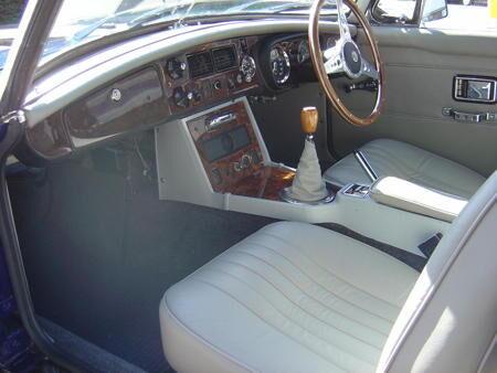 MGB ROADSTER 1972 Interior