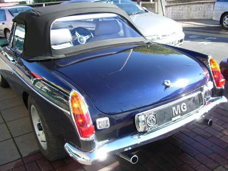 MGB V8 ROADSTER Back