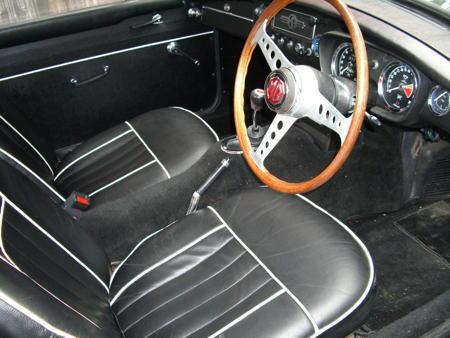 MGB ROADSTER 1966 Interior