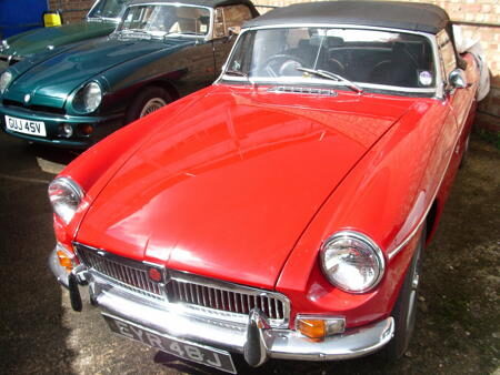 MGB HERITAGE SHELL 1971 Front