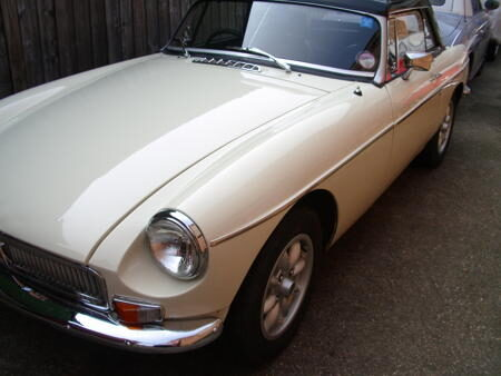 MGB Roadster 1970 Front