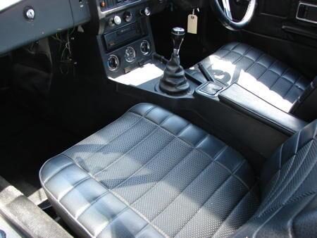 MGB 1977 interior