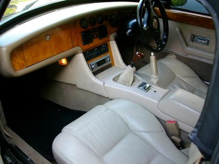 MGR V8 UK Spec. 1993 Interior