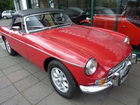 MGB HERITAGE SHELL 1974 Front