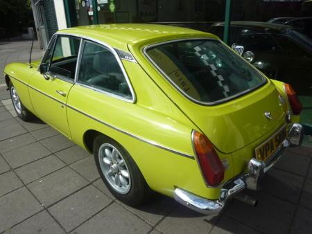 MGB GT 1973 back