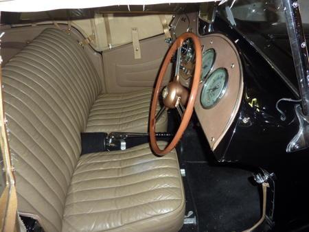 MG TD 1953 interior