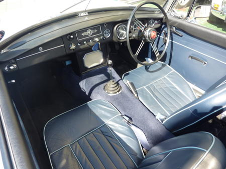 MGB HERITAGE SHELL - 1965 interior