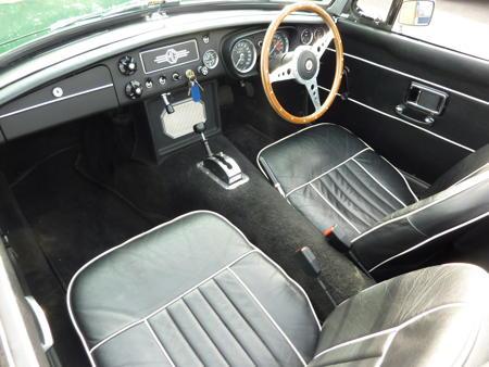 MGC Roadster 1968 interior