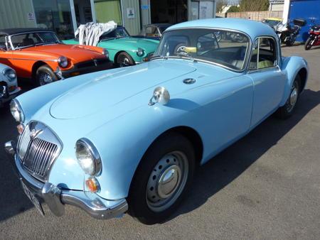 MGA 1600 MK1 COUPE RARE - 1961 Front