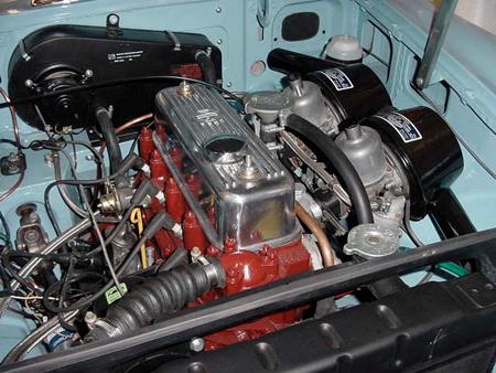 MGB 1965 Iris blue engine