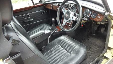 MGB V8 Roadster - 1973 Interior
