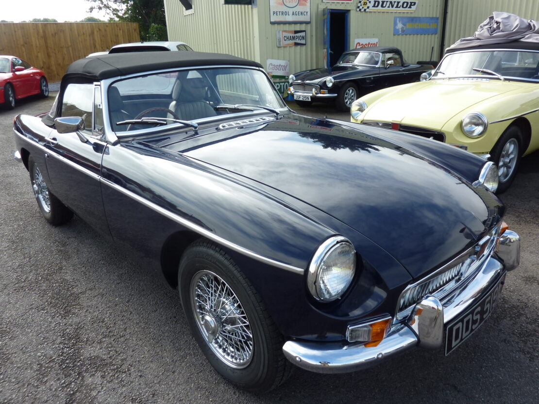 Mgb Heritage Shell 1972 Midnight Blue Former Glory
