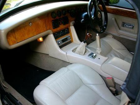 MGR V8 UK Spec. 1993 Interior